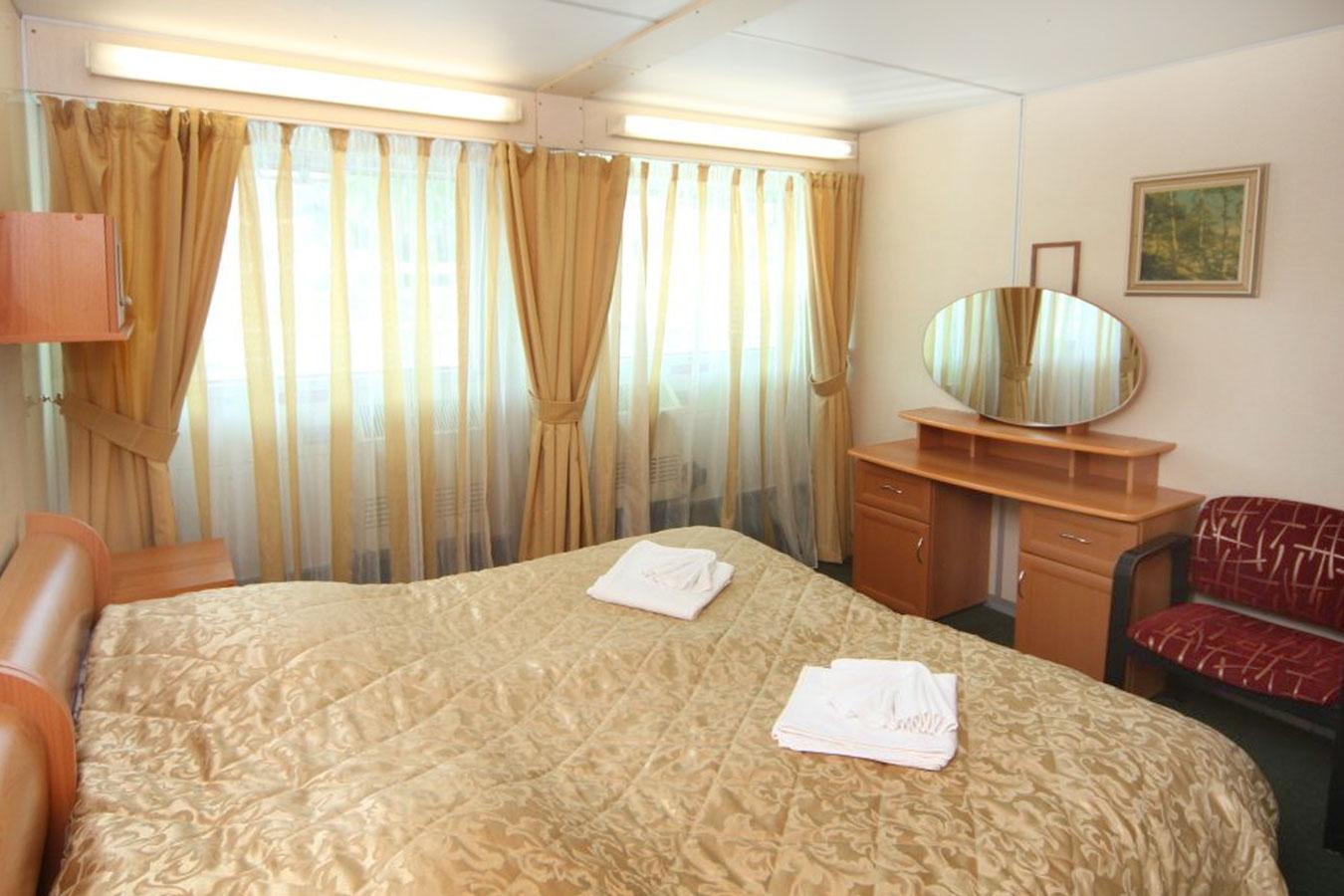 семен буденный теплоход фото люкс трехместный эта зона